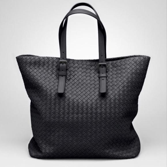 Bottega Veneta Handbags - Bottega Veneta NAPPA Intrecciato large Tote f22b77c3553eb